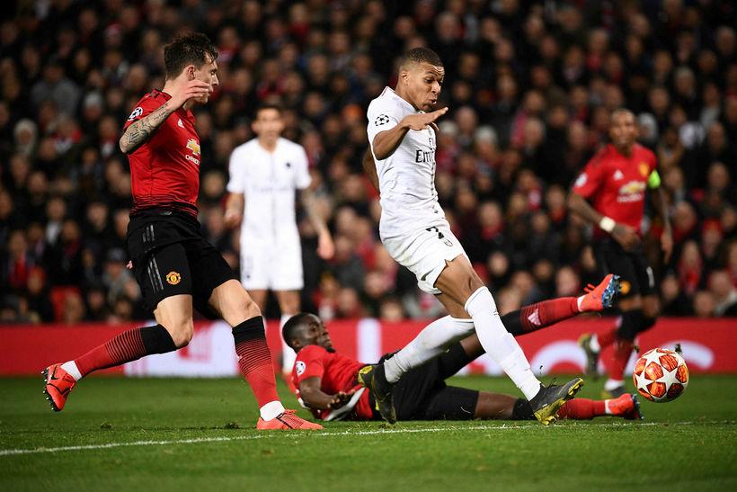 Kylian Mbappé kemur PSG í 2:0 á Old Trafford í ...