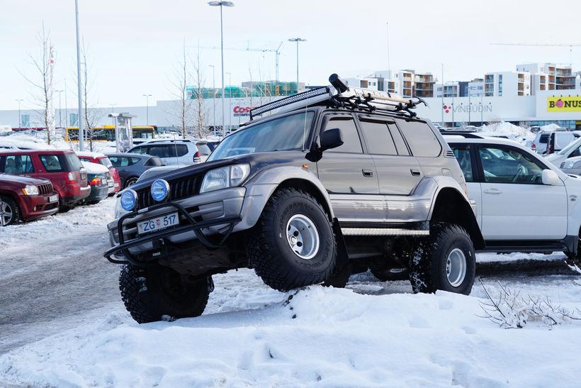 Stóru jeppasýningar Toyota hafa ætíð dregið til sín fjölda gesta.