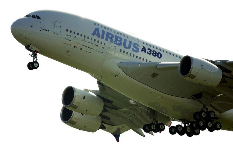 Airbus ætlar að hætta framleiðslu A380, sem er stærsta farþegaþota ...