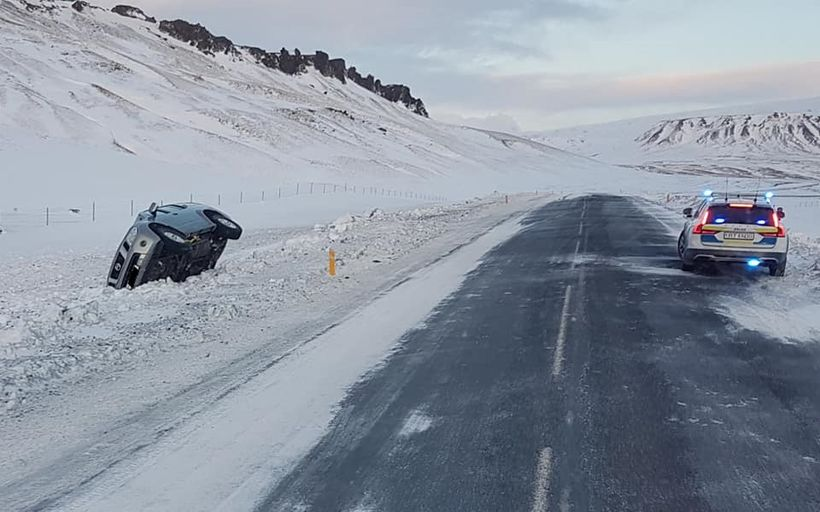 A regular occurrance in South Iceland, cars spinning off the ...