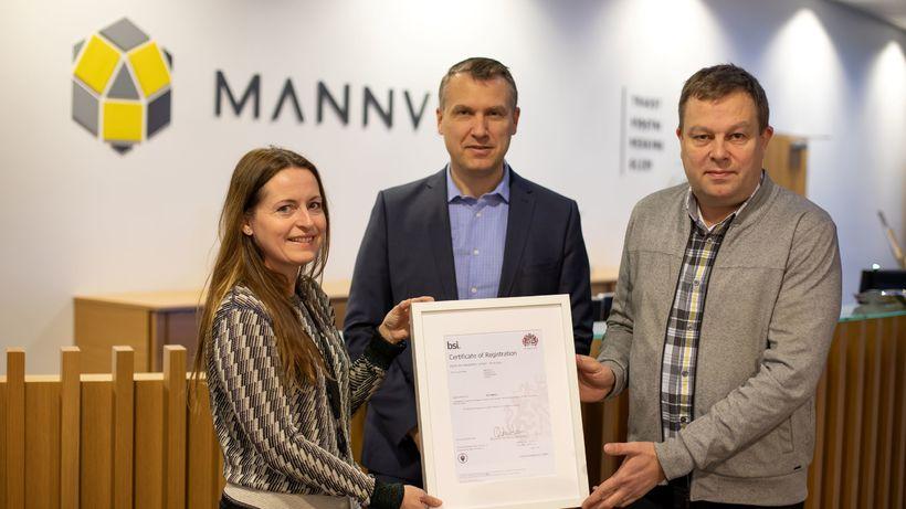 Hildur Þórisdóttir, mannauðsstjóri Mannvits, og Örn Guðmundsson, forstjóri Mannvits, taka ...