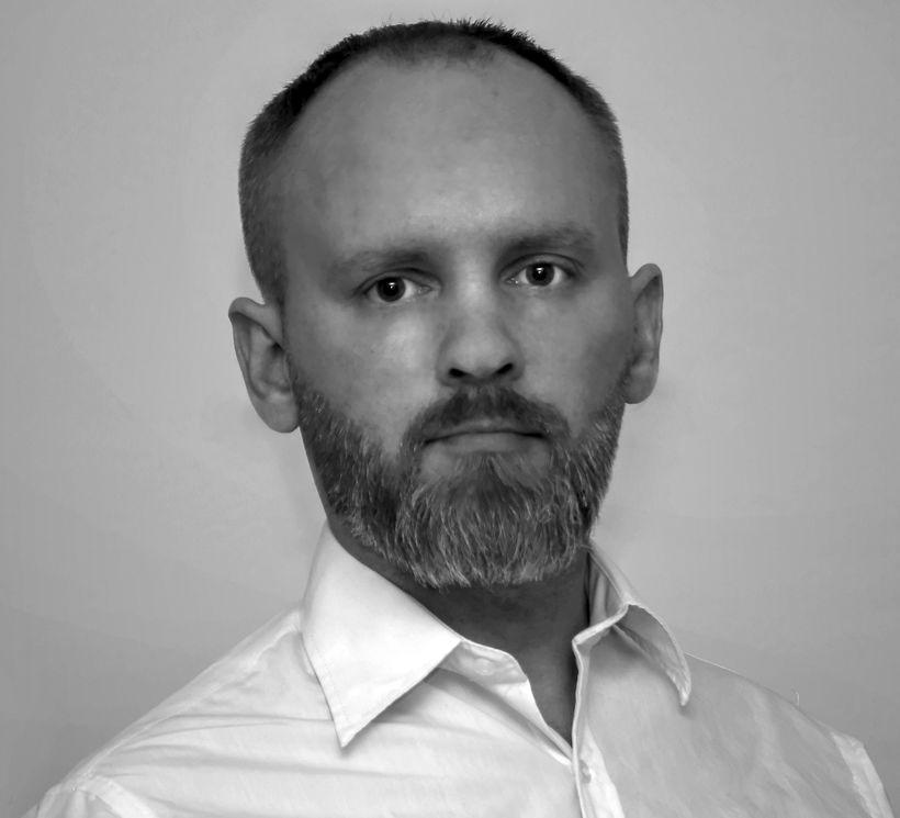 Björn Ágúst Magnússon var gangandi á leið heim til sín ...
