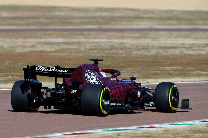 Kimi Räikkönen frumekur Alfa Romeo Sauber í Fiorano í dag.