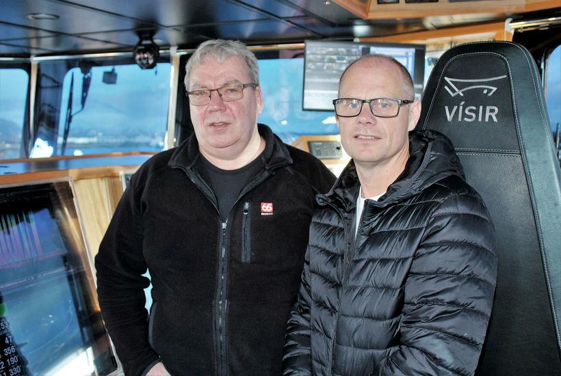 Ólafur Óskarsson til vinstri og Óli Björn Björgvinsson í brúnni ...