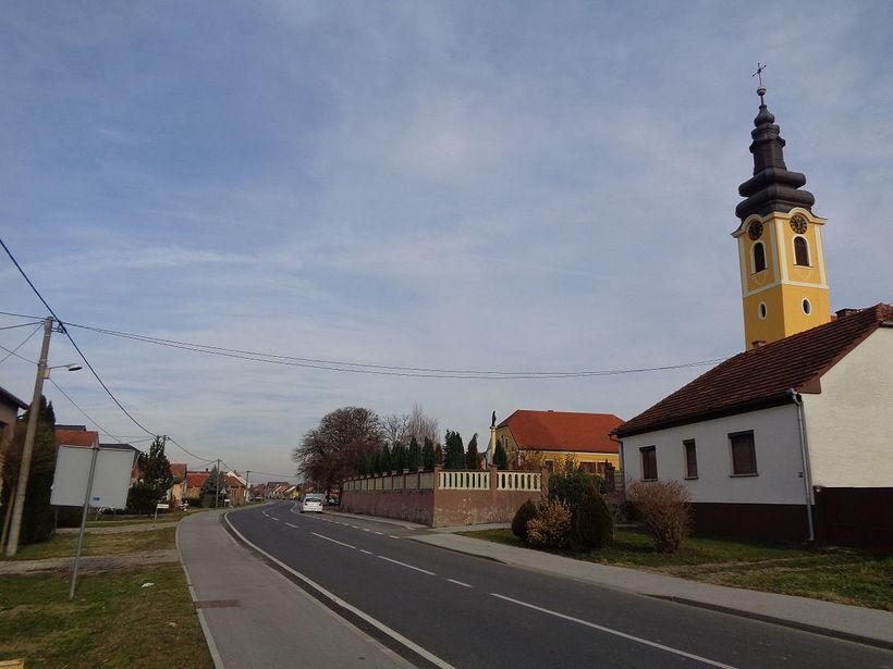 Líkið fannst í bænum Mala Subotica í norðurhluta Króatíu.