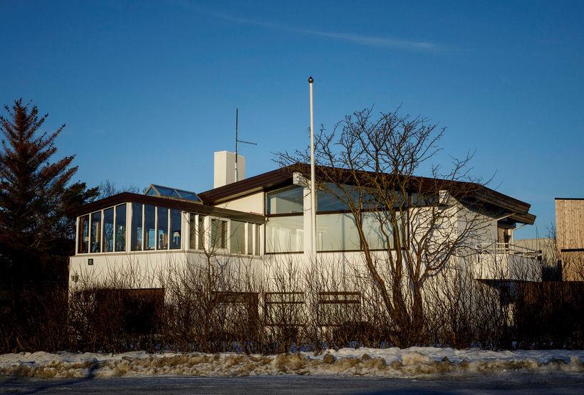 Höskuldur H. Ólafsson bankastjóri Arion banka býr við Skildinganes.