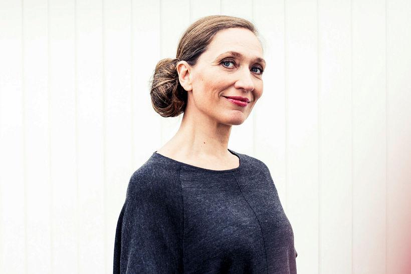 Hanna Dóra Sturludóttir er tilnefnd sem söngkona ársins.