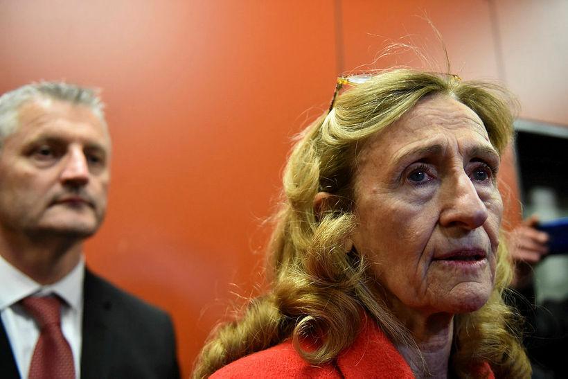 Jean-Paul Chapu, fangelsistjóri Alencon, og Nicole Belloubet dómsmálaráðherra.