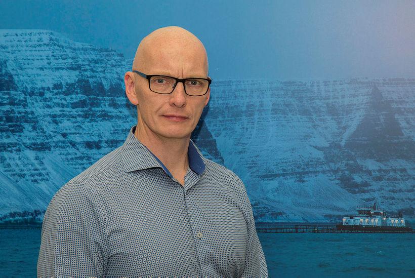 Benedikt þurfti á sínum tíma að nota skóflu til að ...