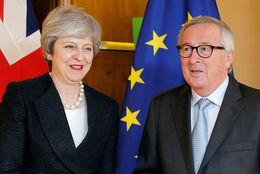 Theresa May og Jean Claude-Juncker í Strassborg í dag.