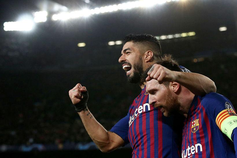 Luis Suárez fiskaði vítaspyrnuna sem Lionel Messi skoraði fyrsta mark ...