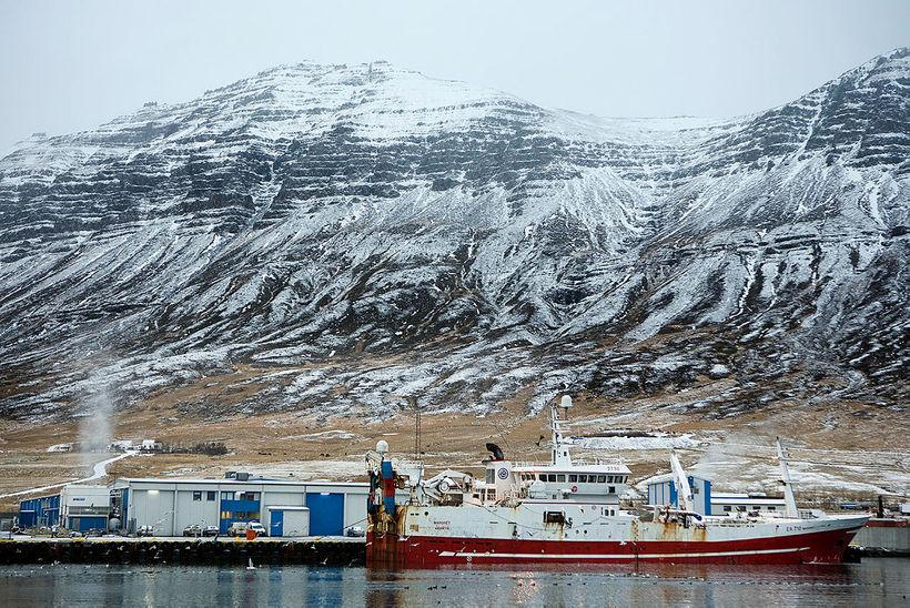 Fjarðabyggð er það sveitarfélag landsins sem mest á undir loðnuveiðum ...