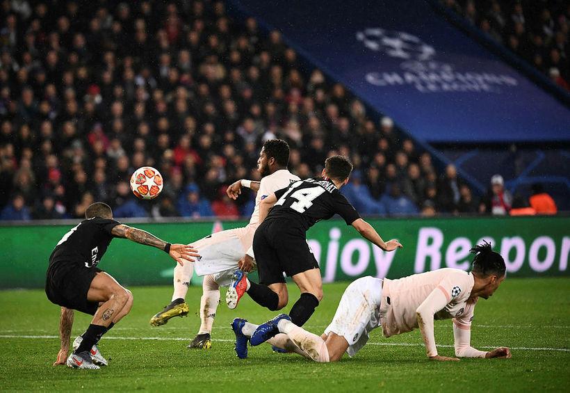 Manchester United mætir Barcelona í átta liða úrslitum Meistaradeildarinnar.