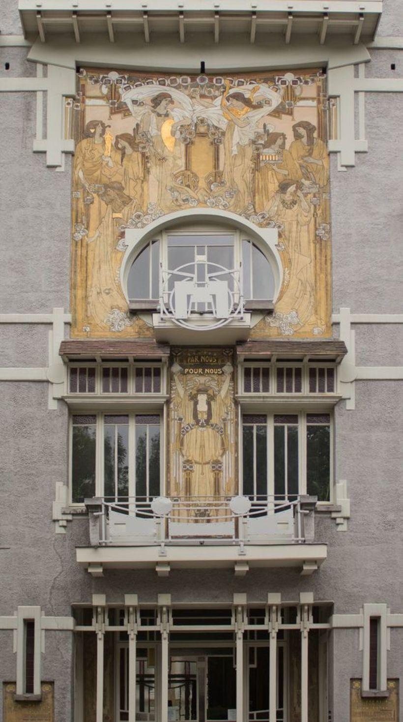 Inngangurinn í Saint-Cyr-húsið er einstakur.