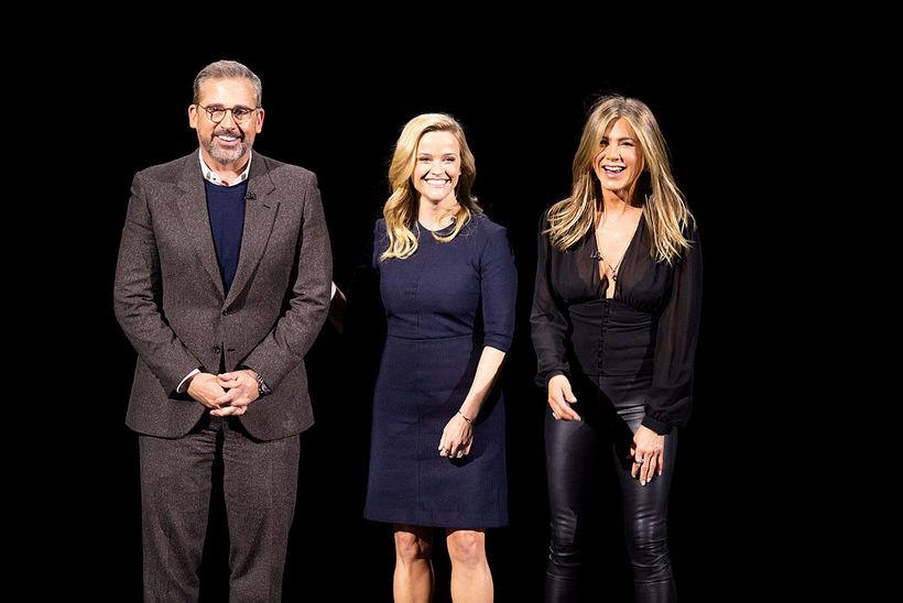 Vinkonurnar Reese Witherspoon og Jennifer Aniston ásamt Steve Carell.