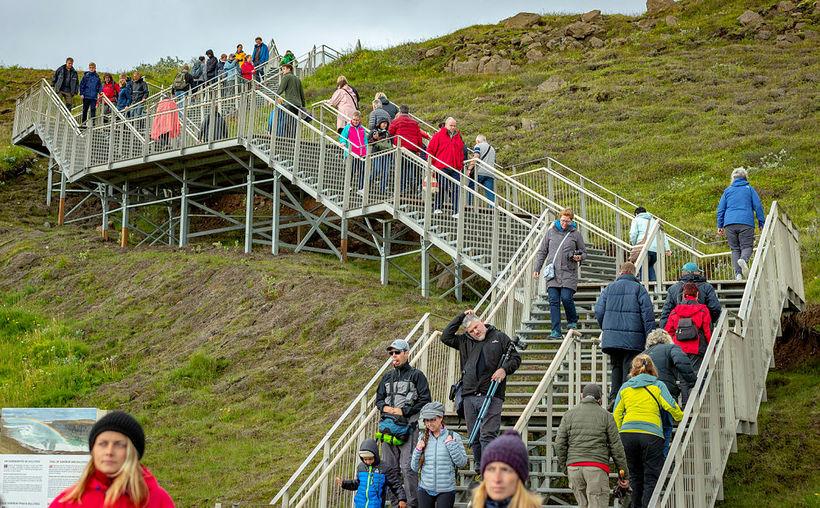 Ferðamenn við Gullfoss.