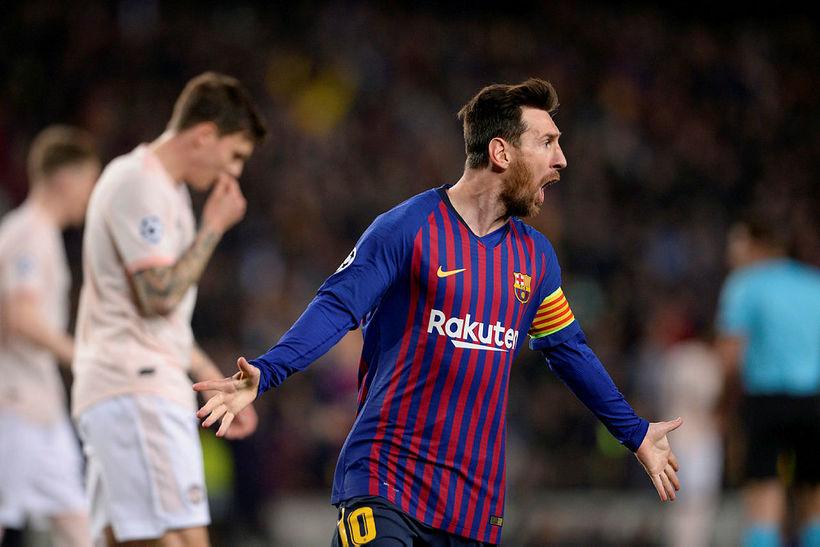Messi fagnar marki í kvöld.