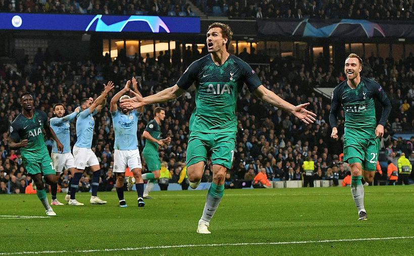 Fernando Llorente fagnar markinu sem skaut Tottenham í undanúrslit.