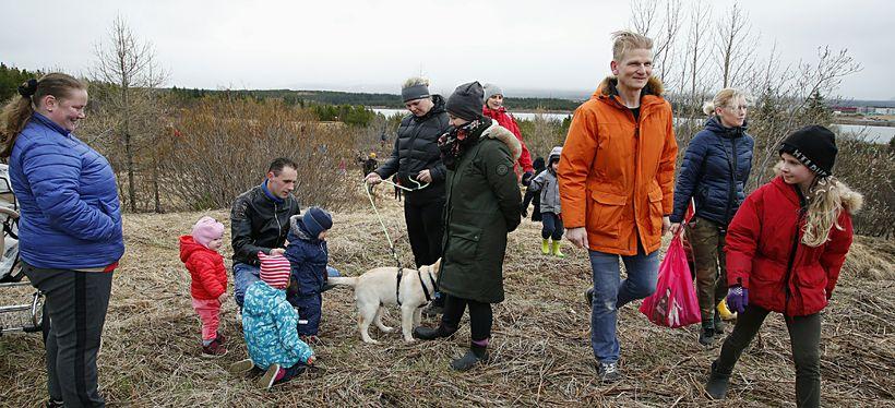 Mörg hundruð páskaegg voru falinn í nágrenni höfuðstöðva K100.