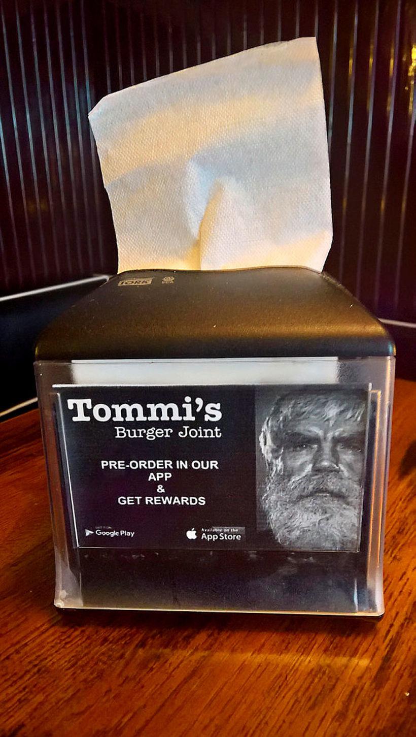 Tommi er andlit staðanna.