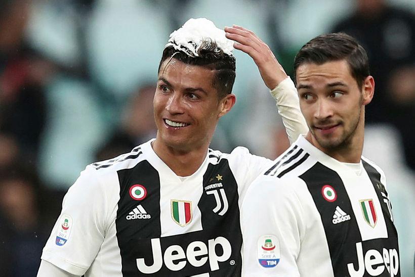 Cristiano Ronaldo fagnar ítalska meistaratitlinum.