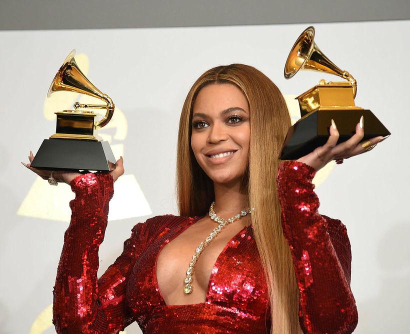 Beyoncé skartaði lengi vel sléttu hári.