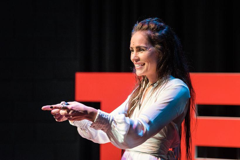 Sólveig Þórarinsdóttir hélt 18 mínútna TEDx erindi þar sem hún ...