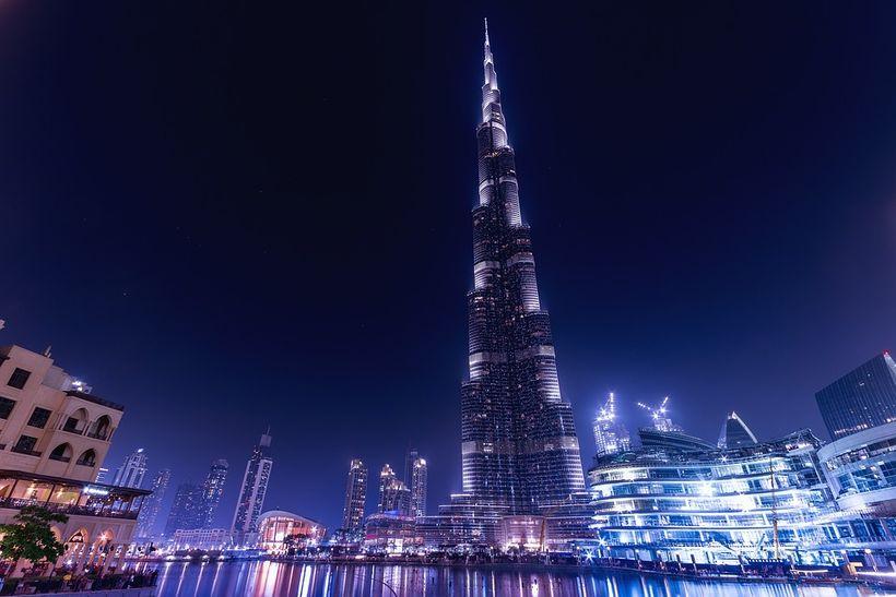 Burj Khalifa er afskaplega fallegur að kvöldlagi.