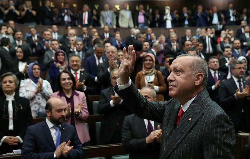 Erdogan Tyrklandsforseti í þjóðþingi Tyrkja í Ankara í dag. Hann …