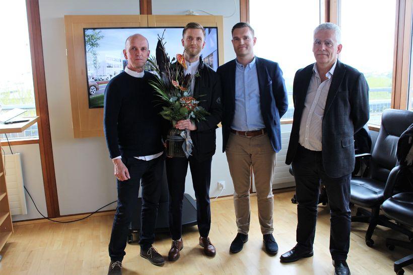 Vinningshafarnir frá Alark arkitektum og fullrúi Reita. F.v. Kristján Ásgeirsson, ...