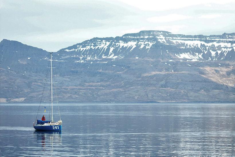 Andrew Bedwell kom inn til Norðfjarðar í gærkvöldi til að ...