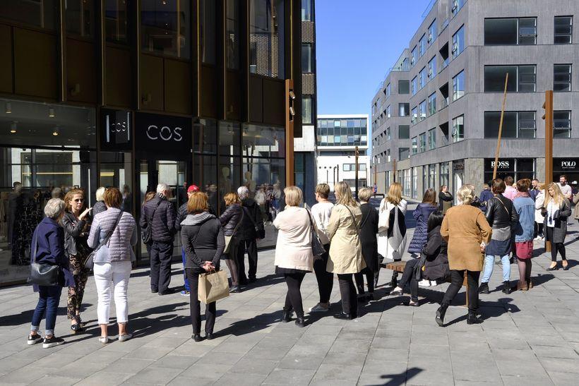 Verslunin er staðsett á Hafnartorgi, hliðina á H&M, nær Lækjartorgi.