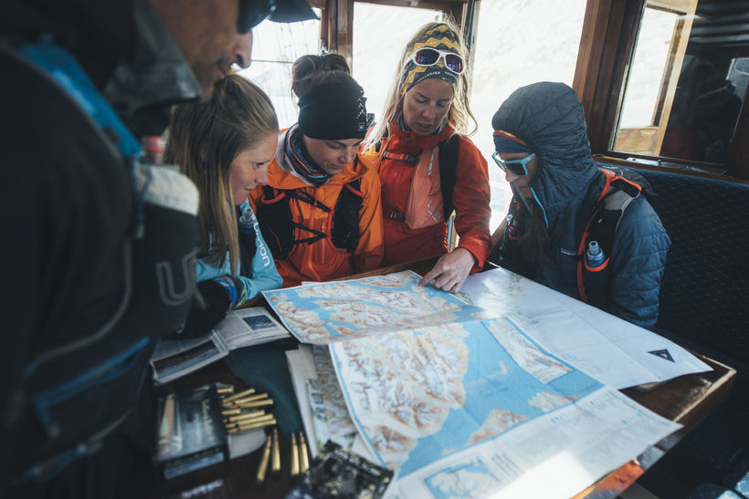 Inga Fanney, planning the next move with the runners.