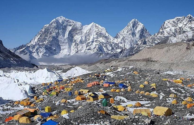 Þessa mynd tók Leifur Örn á páskadag í grunnbúðum Everest.
