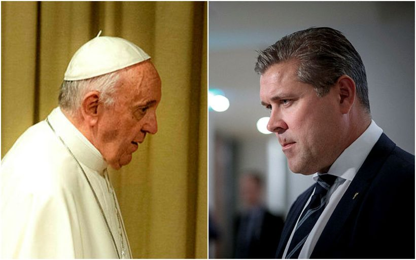 Bjarni Benediktsson kemur til með að hitta Frans páfa á ...