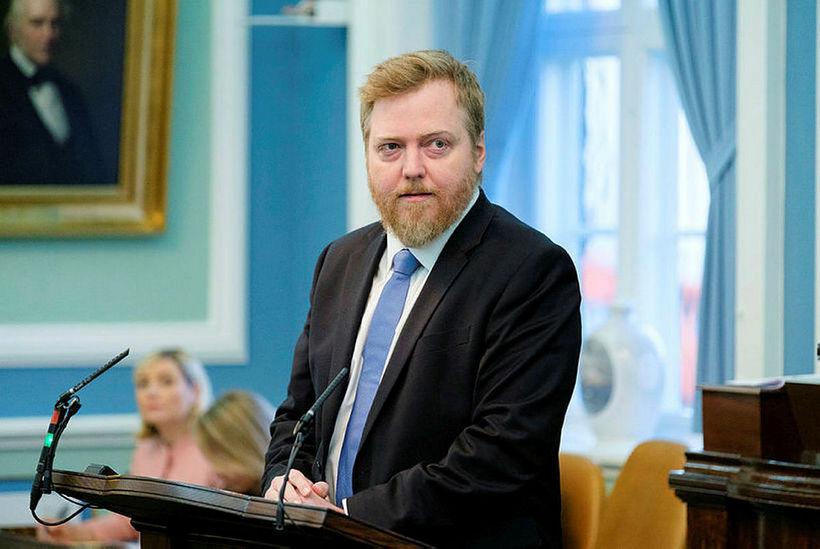 Sigmundur Davíð Gunnlaugsson, formaður Miðflokksins, í ræðustól.