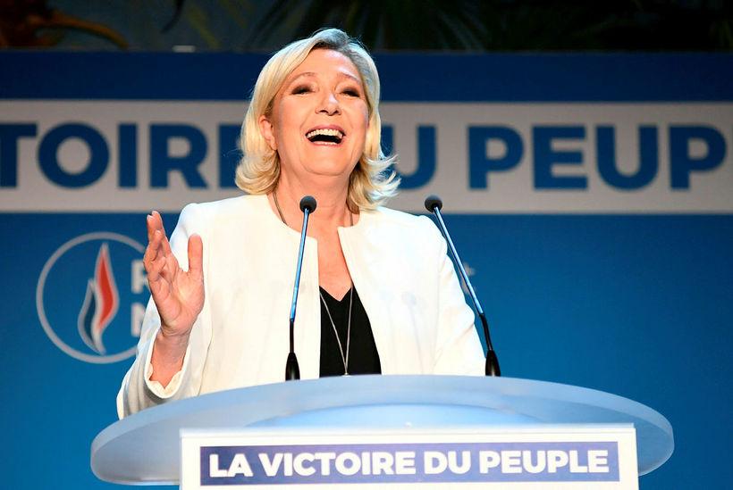 Marine Le Pen, forseti franska hægiröfgaflokksins Rassemlement National, fagnaði kosningasigri …