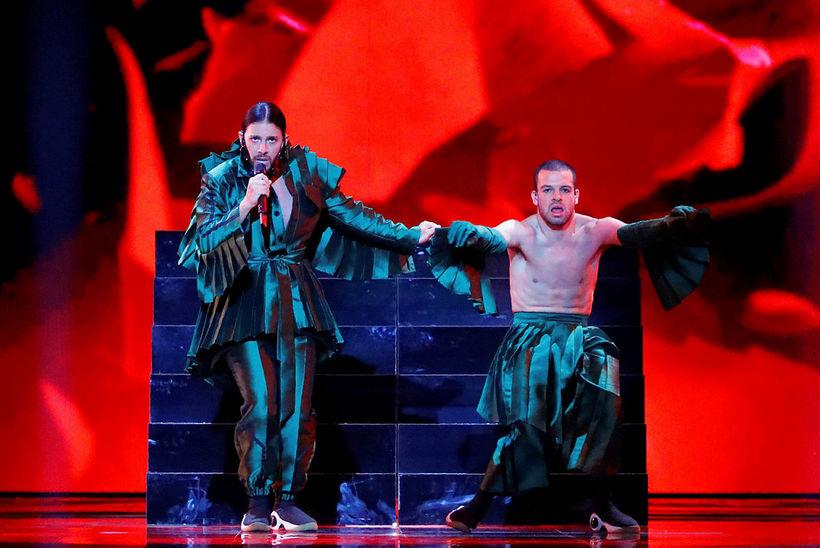 Conan Osiris var í frumlegum fötum í Eurovision.