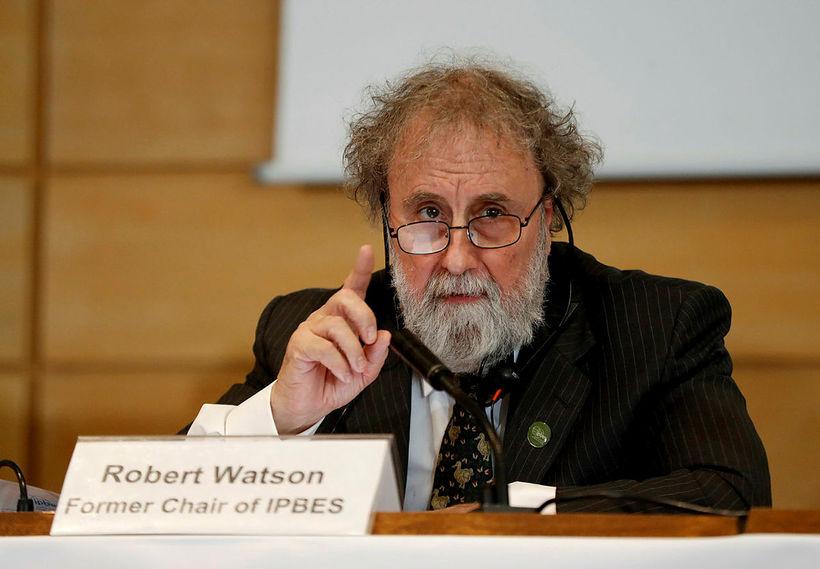 Robert Watson, fyrrverandi formaður IPBES, á kynningarfundinum í París í ...