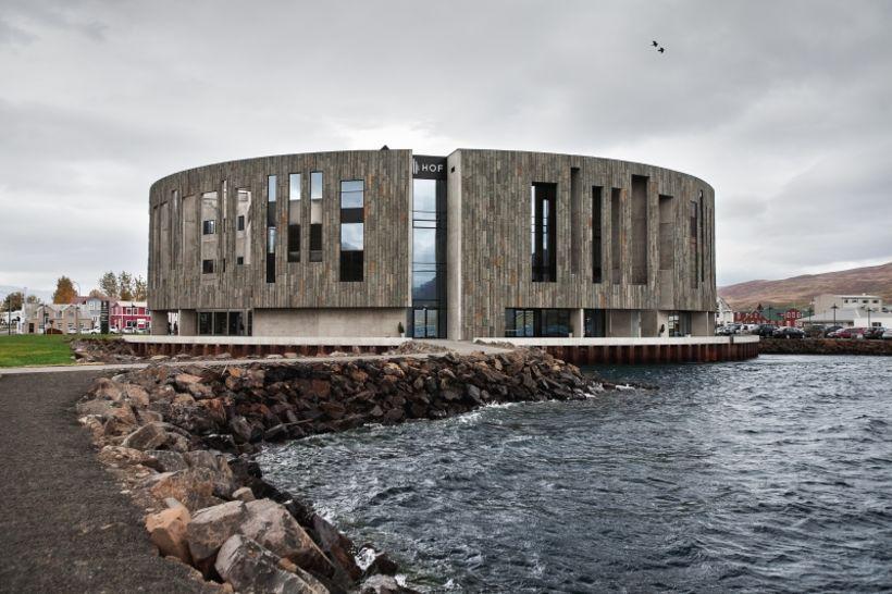 Hof á Akureyri var eitt af verkefnum stofunnar.