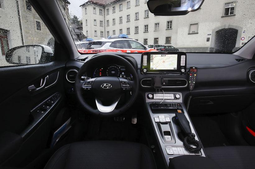 Hyundai Kona rafbíll lögreglunnar í St. Gallen í Sviss..