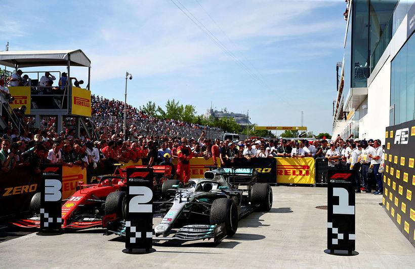 Ferrarifákur Sebastians Vettel kom aldrei ío lokahöfn mótsins en hér …
