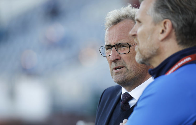 Erik Hamrén, left, coach of the Icelandic men's national soccer ...