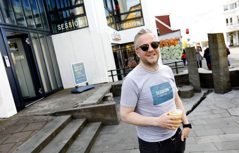 Ásmundur Þór Sveinsson á Sveinstorgi við Bankastræti.