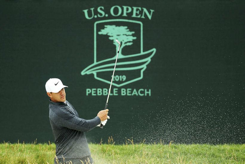 Brooks Koepka að hita upp fyrir US Open sem hefst ...