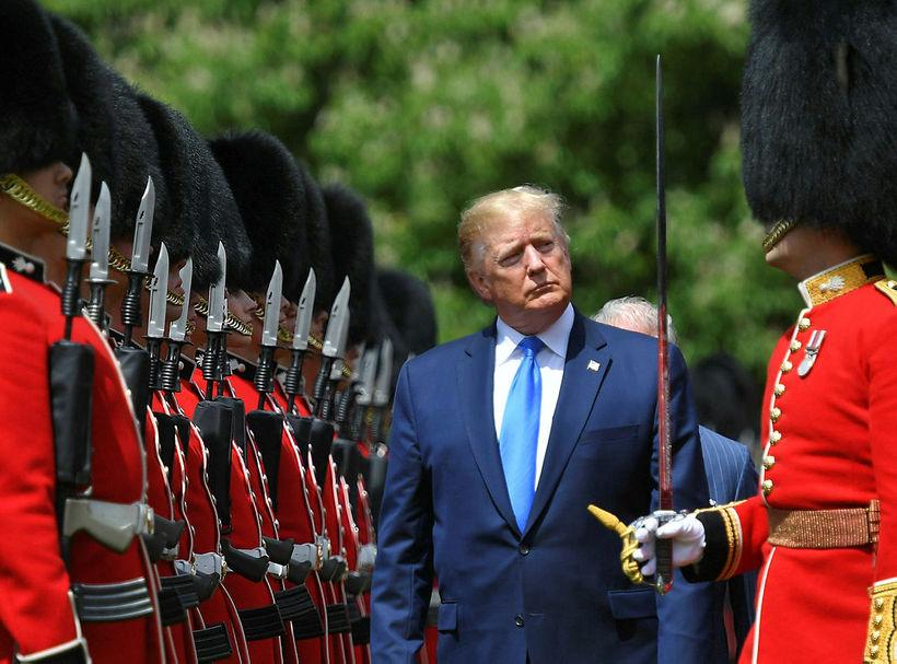 Donald Trump í móttökuathöfn við Buckingham-höll í London í byrjun ...