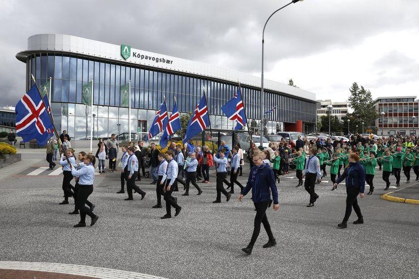 Frá skrúðgöngunni í Kópavogi á síðasta ári.