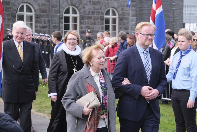 Frú Vigdís Finnbogadóttir, Agnes M. Sigurðardóttir biskup Íslands og Ólafur …