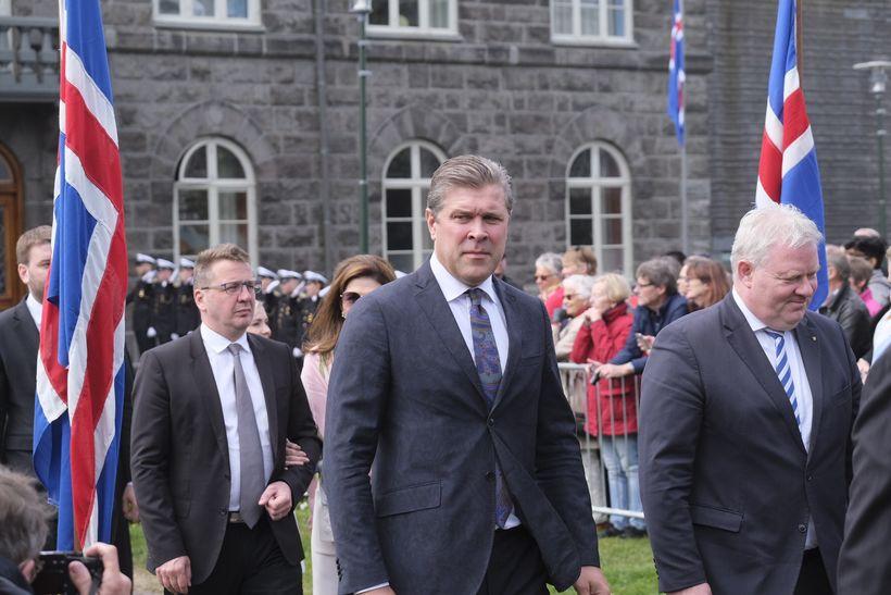 Ráðherrar í ríkisstjórn Ísland voru á Austurvelli.
