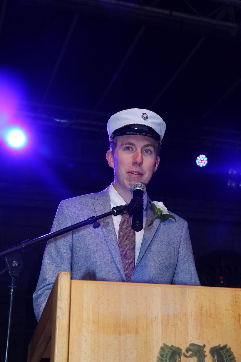 Friðrik Valur Elíasson flutti ræðu fyrir hönd nýstúdenta úr MA.